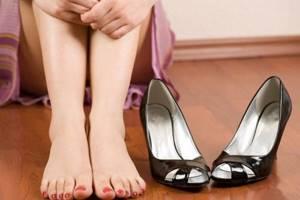 Водяная мозоль на пальце ноги, пятке: причины появления и механизм образования волдыря, лечение водянки в домашних условиях народными средствами и аптечными препаратами, что делать при инфицировании