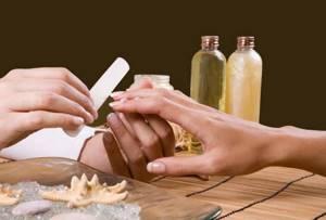 Что делать, если слоятся ногти на руках: причины расслоения ногтевой пластины, популярные салонные процедуры и эффективные способы лечения в домашних условиях, основные правила профилактики