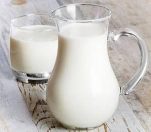 Польза и вред коровьего молока для организма: методы обработки и химический состав, рекомендации по выбору и применению