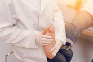 Диабетическая стопа: основные признаки и симптомы, лечение заболевания и прогноз, профилактика патологии